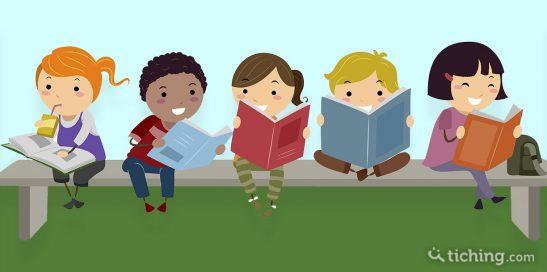 Niños sentados en un banco con un libro que simboliza que han adquirido un buen hábito de lectura