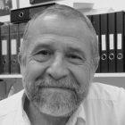 Francisco Mora en blanco y negro