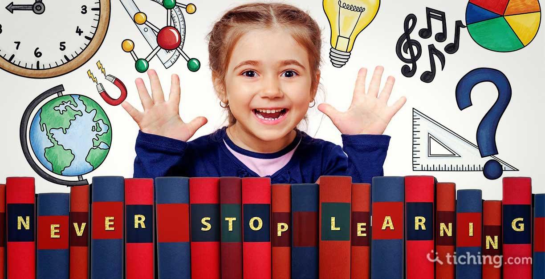 La polimatia en la educación: una niña con símbolos de diferentes saberes para simbolizar la multidisciplinariedad