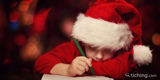 Niños escribiendo carta de Navidad
