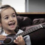 8 razones por las que aprender a tocar música desde pequeño es beneficioso